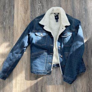 Sherpa lined jean jacket   GAP   XS   NWOT